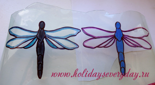 dragonfly and butterfly made of plastic bottle