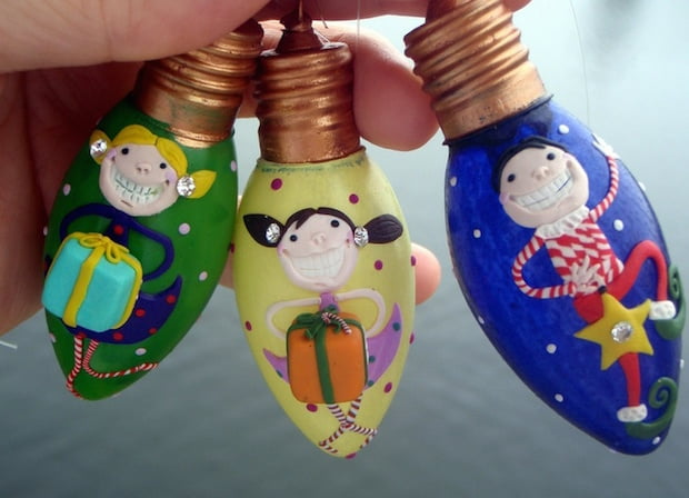 coloured-smiling-kids-bulbs-upcycling-christmas-decorating-ideas-tree-lights
